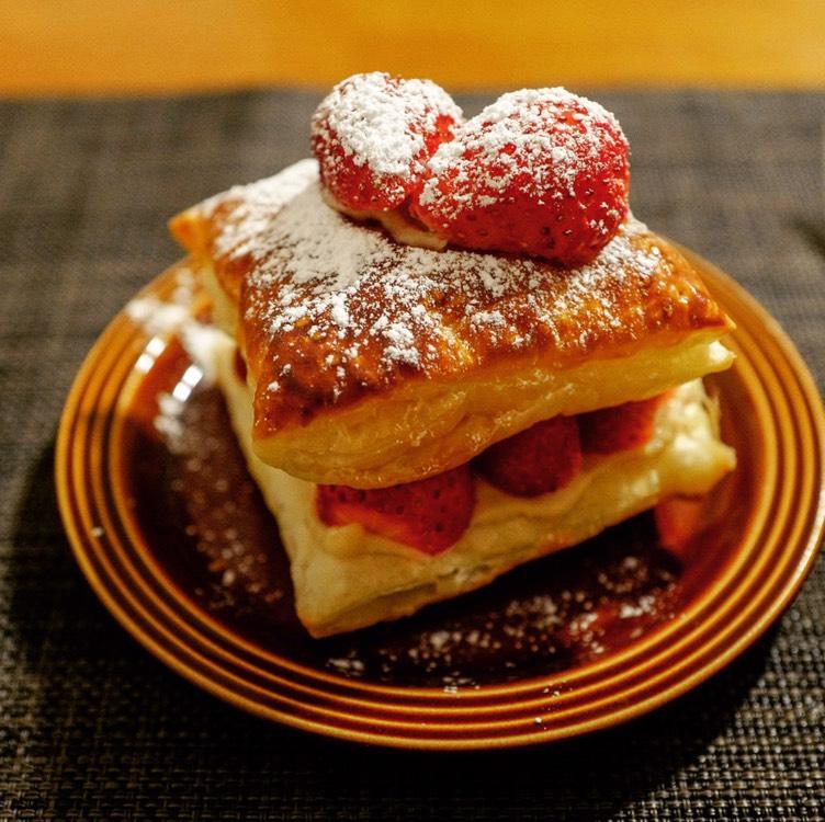 イチゴのクリームパイ